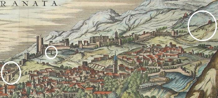 Los círculos señalan la ubicación de la Bib Mauror (Puerta del Sol), la Picota o Rollo y las mazmorras- Ermita de los Mártires (antecedente del Convento de Carmelitas), según una ilustración de Joris Hoefnagel (1572).