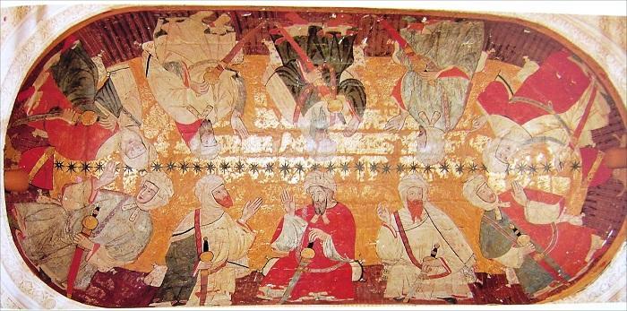 Sala de los Reyes. Pintura en el techo de la Sala de los Reyes de la Alhambra (lateral del Patio de los Leones), donde se ven representados los diez primeros reyes de la dinastía nazarita (También se apunta que en realidad eran personajes notables).