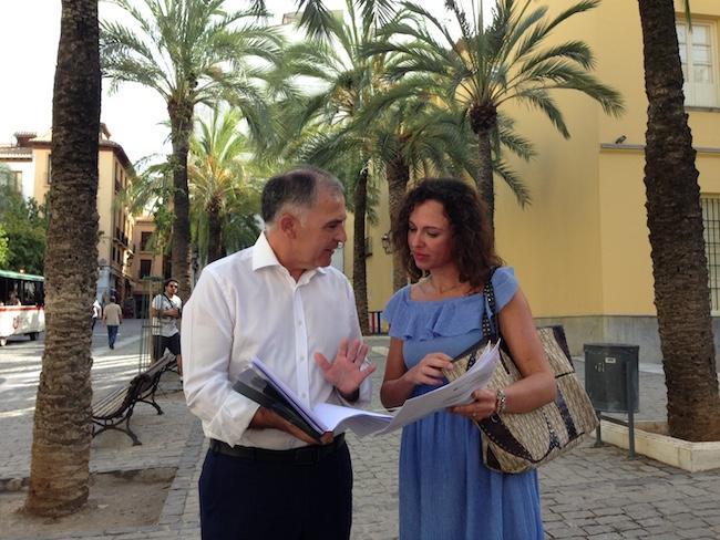 Santiago Pérez y Rocío Díaz.