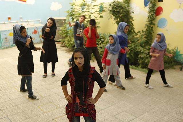 Imagen del documental 'Sonita', que narra la vida de una joven afgana.