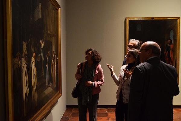 La rectora, en la inauguración de la exposición.