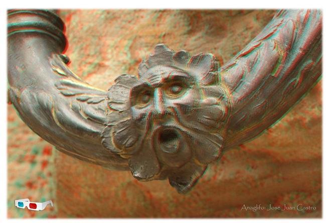 Anaglifo del detalle de una anilla de la fachada del Palacio de Carlos V.