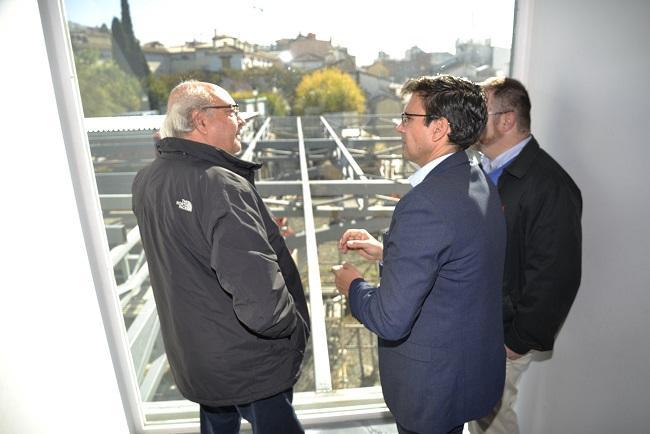 El alcalde ha visitado este jueves las obras en el Cuarto Real.