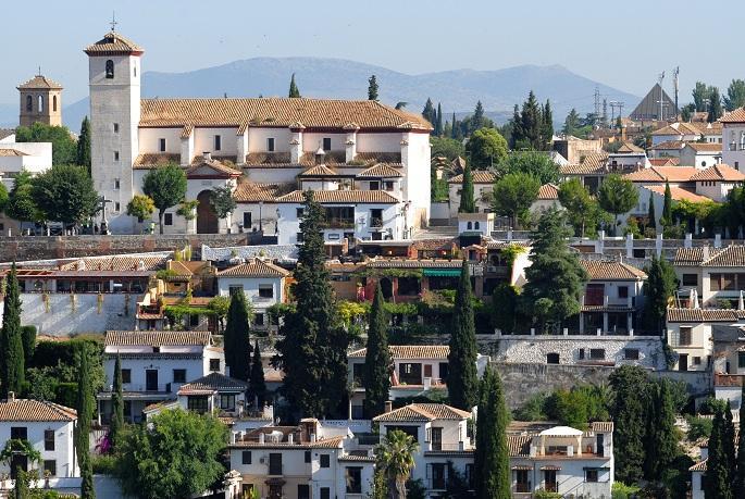 El Albaicín es uno de los barrios con más viviendas turísticas.