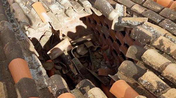 Imagen del tejado dañado.