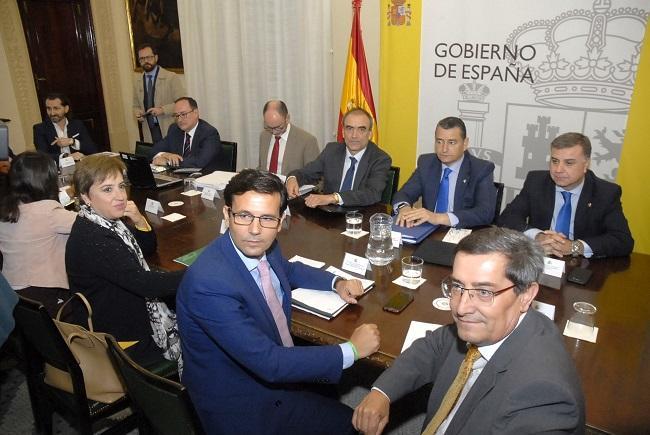 Sanz, en una de las reuniones de la Comisión de Seguimiento del AVE.