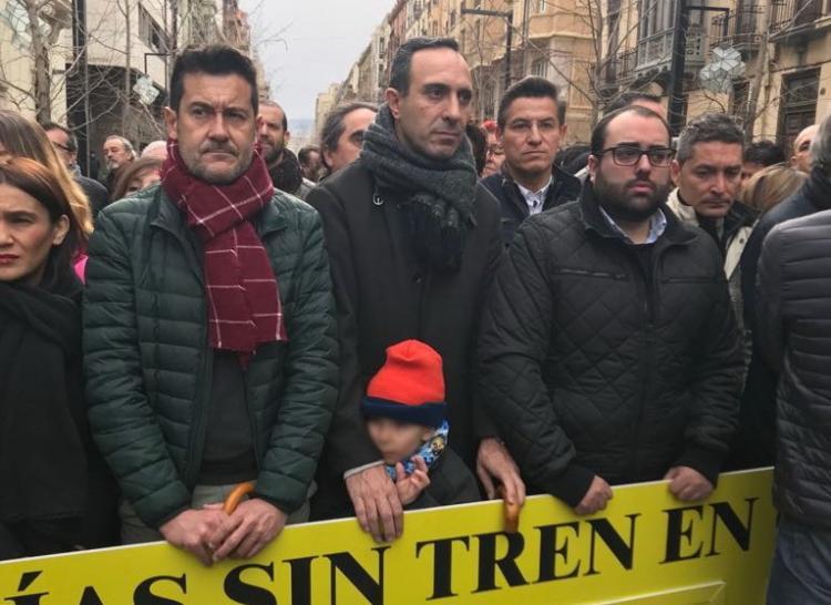 Luis Salvador y Manuel Olivares han participado en la concentración.