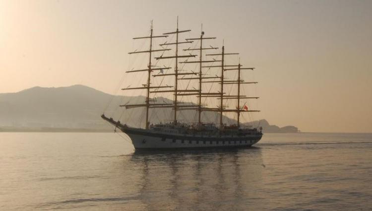 El Royal Clipper es el velero de cinco mástiles más grande del mundo.