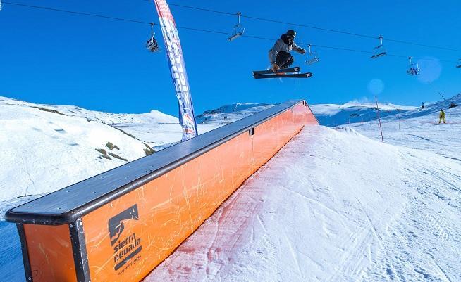 El snowpark Sulayr ya se ha abierto al completo.