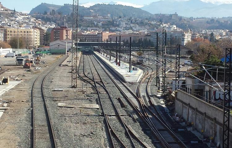 Fomento anunció la redacción coincidiendo con la fecha en la que dio por finalizado el grueso de las obras del AVE.