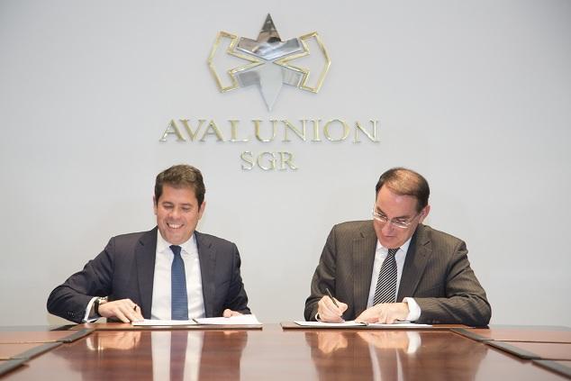 Firma del convenino entre la CGE y Avalunión.