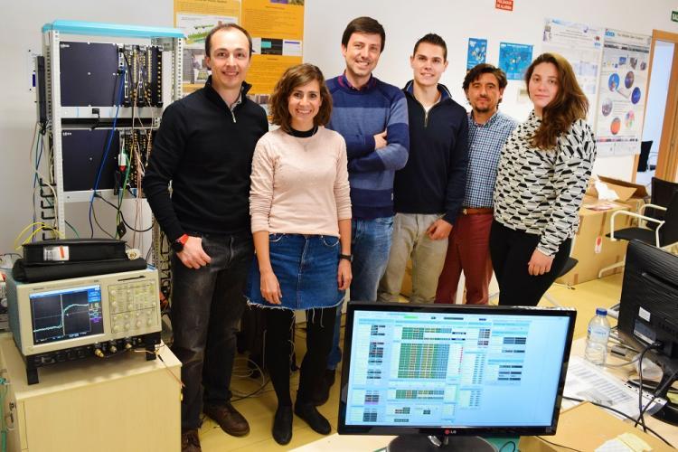 Equipo de Seven Solutions que viene trabajando en la tecnología empleada en el acelerador de Japón.
