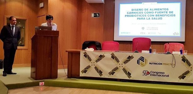 Presentación de la investigación en el Congreso de Nutrición.