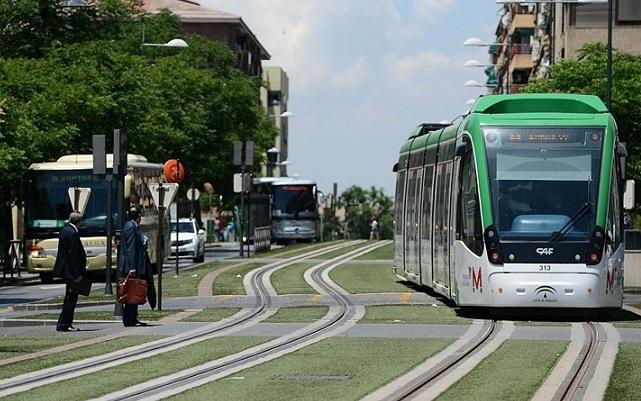 El metro a su paso por la capital.