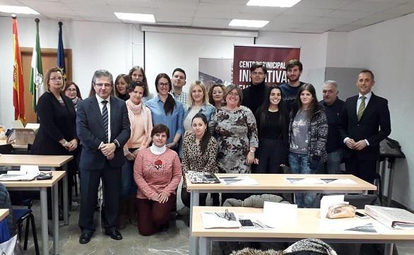 El vivero del IES Cartuja cuenta con el apoyo del Ayuntamiento, entre otras entidades.