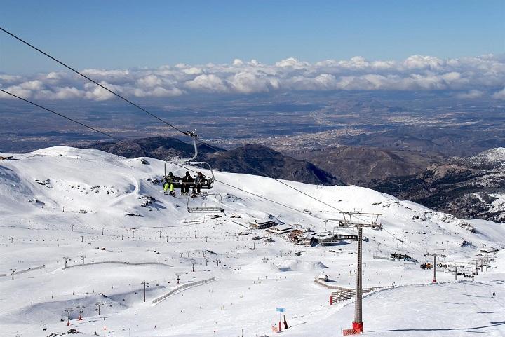 Vista de la estación tras las últimas nevadas.