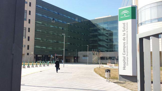 Hospital del Campus que adopta, ahora el nombre de San Cecilio.