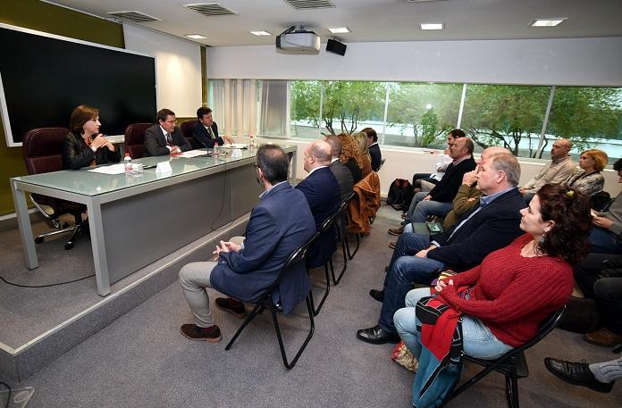 Presentación a representantes municipales de las jornadas formativas.