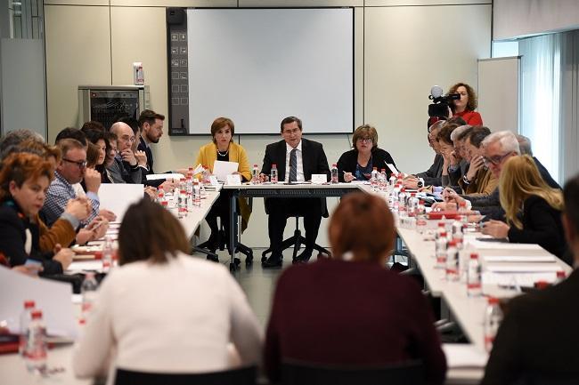 Reunión de trabajo de la Mesa por la Industrialización, este jueves en la Diputación.