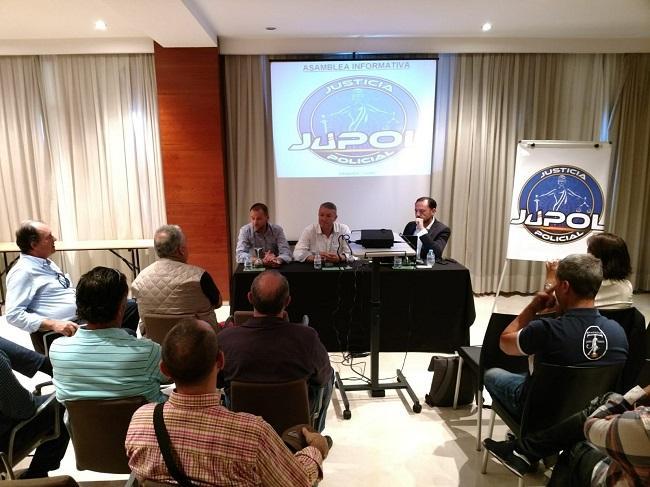Presentación en Granada de Jupol.
