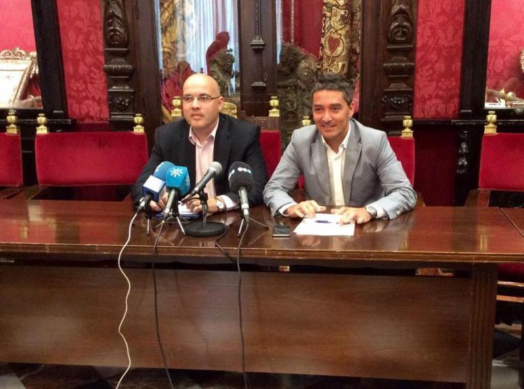 Los concejales de Ciudadanos Raúl Fernández y Manuel Olivares.
