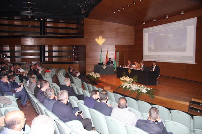 Asistentes a la Asamblea General Ordinaria de Caja Rural Granada.