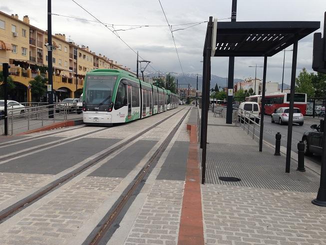 El Metro, por la Carretera de Jaén.