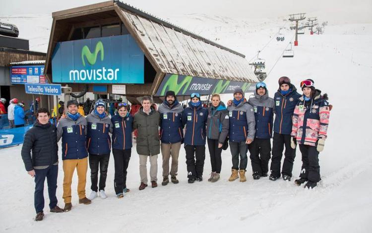 Miembros de Movistar, Sierra Nevada 2017 y del equipo español.