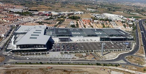 Vista aérea del centro comercial Nevada.