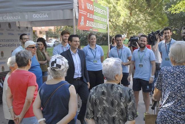 El alcalde, en la presentación de las actividades en uno de los parques saludables del Zaidín.