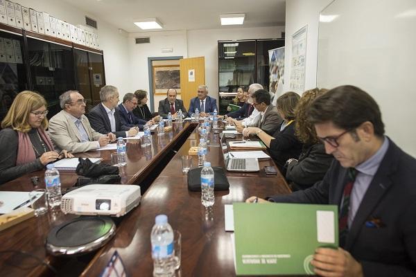 Ramírez de Arellano ha presidido una reunión del Plan de Desarrollo Económico de Andalucía.