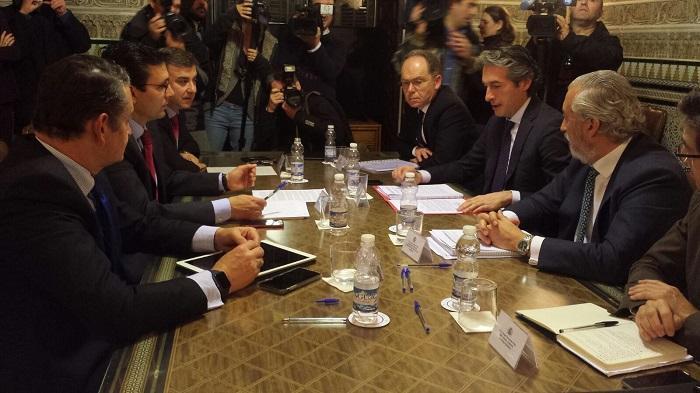 Última reunión del alcalde con el ministro de Fomento.