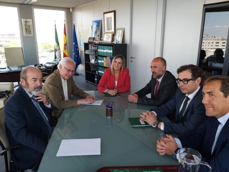 Reunión de la consejera con los representantes del Metro.