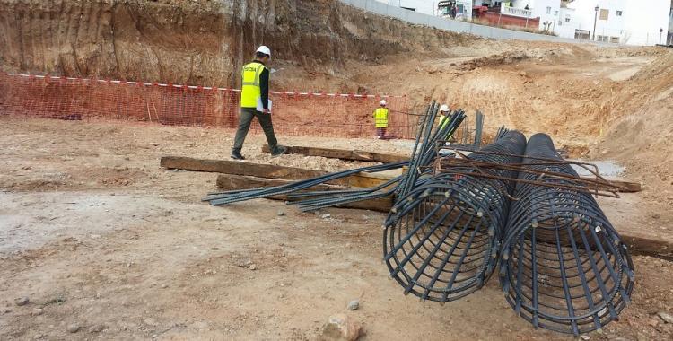 Obras bajo el túnel del AVE en Loja.