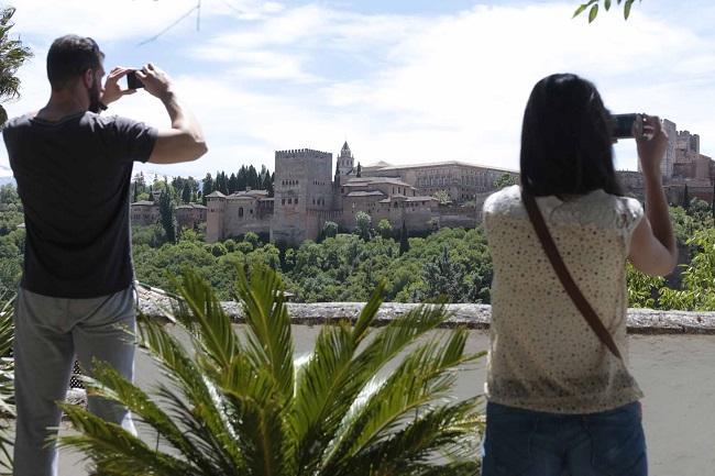 Granada es uno de los diez destinos andaluces de más de 100.000 habitantes han comenzado a utilizar la aplicación.