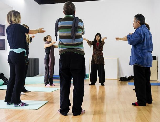 Los talleres incluye yoga y chi-kung, entre otros muchos.