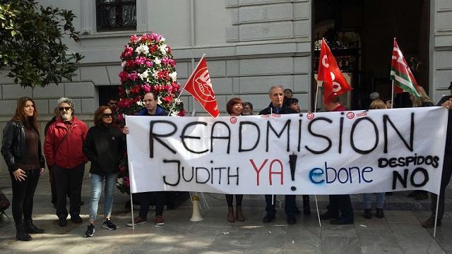 Concentración sindical frente al Ayuntamiento.