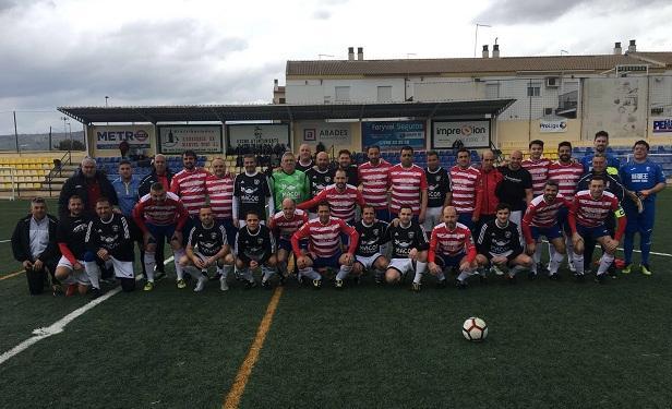Veteranos del Granada participaron en uno de los partidos.