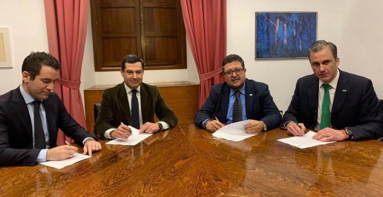 Juan Manuel Moreno y Teodoro García Egea con Francisco Serrano y Javier Ortega Smith.
