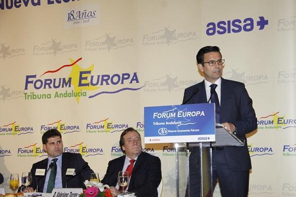 Francisco Cuenca durante su intervención en el desayuno de Fórum Europa.