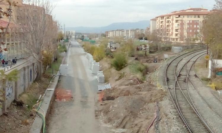 Las obras del AVE no finalizarán hasta otoño de 2017 y hasta entonces se prolongará el aislamiento.
