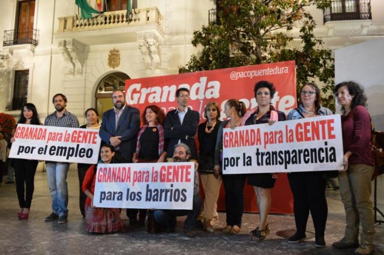 IU arrancó anoche la campaña en la Plaza del Carmen.