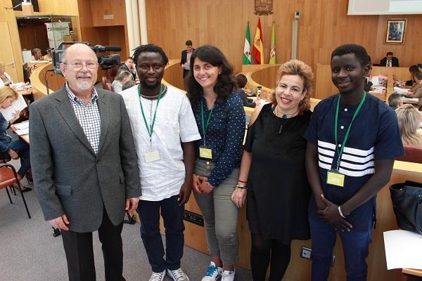 Representantes del grupo Vamos Granada Provincial con integrantes de La Bolina.