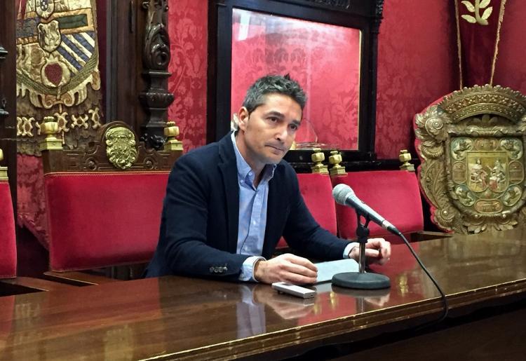 Manuel Olivares en una rueda de prensa.