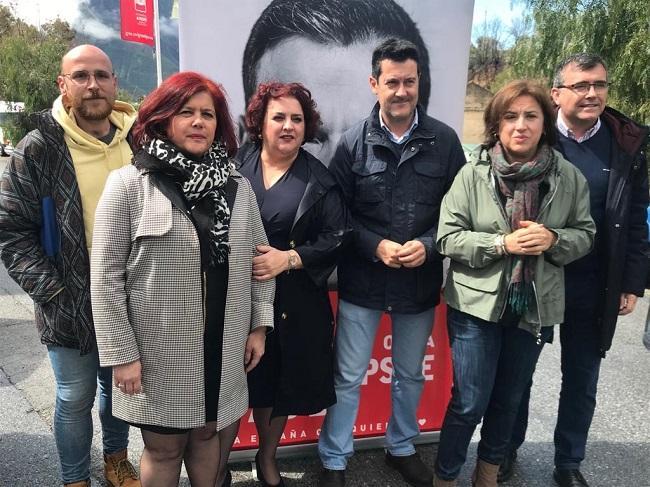 Los candidatos socialistas han visitado la feria Hecho en la Alpujarra.
