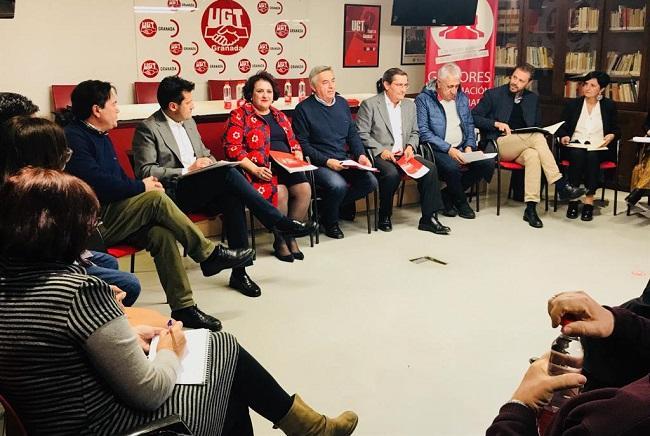Reunión del PSOE con los sindicatos UGT y CCOO.