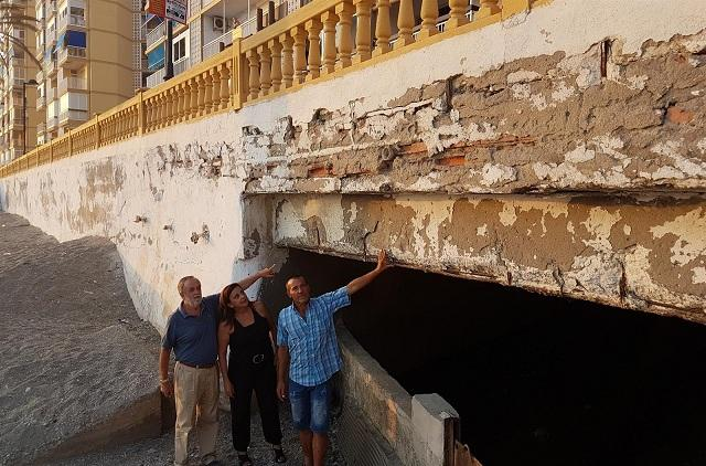 Miembros del PP señalan el deterioro de la estructura.