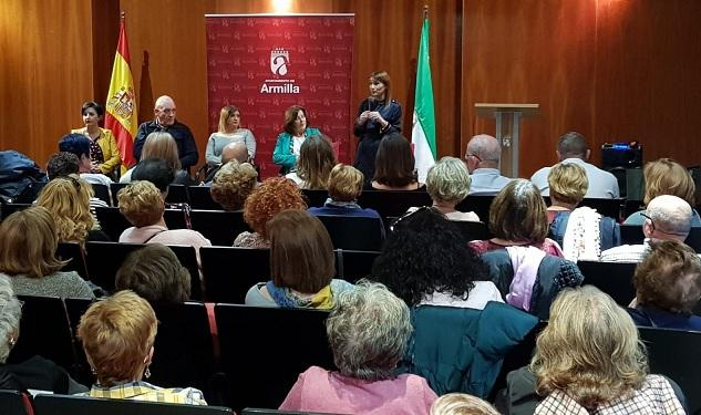 Olga Manzano interviene en el acto celebrado en Armilla.