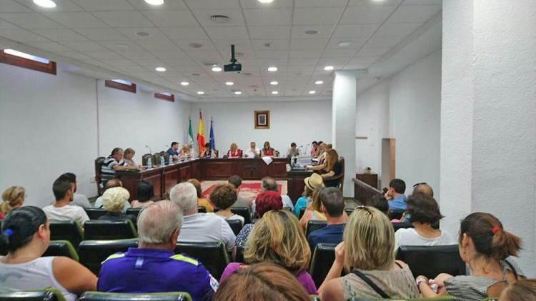Una imagen del pleno sobre empleo en La Zubia.