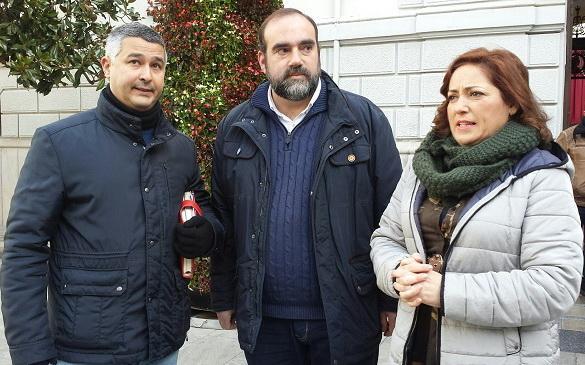 María del Carmen Pérez con Francisco Puentedura y Juan Francisco Arenas de Soria.